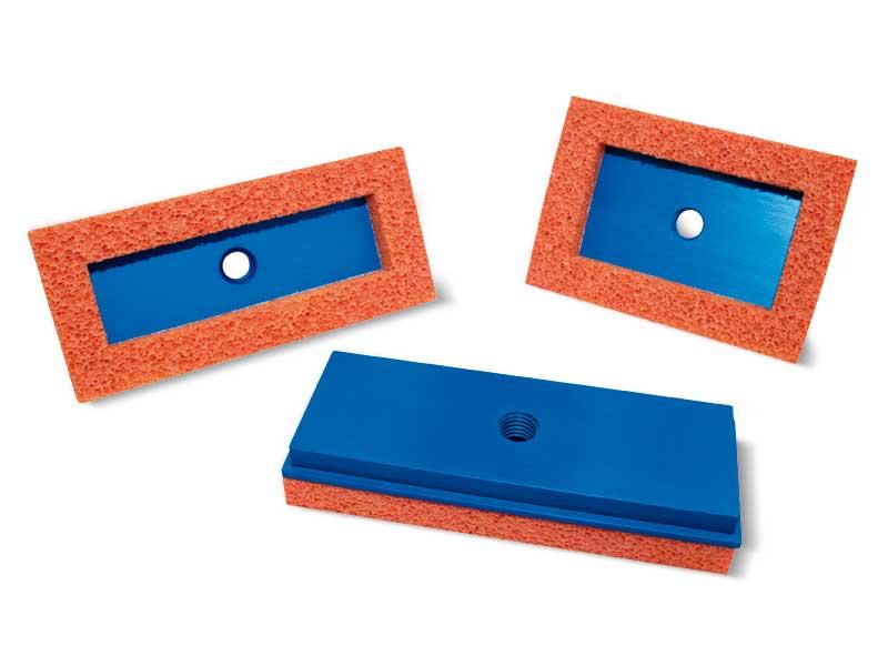 Ventosas rectangulares planas de goma espuma con sus respectivos soportes